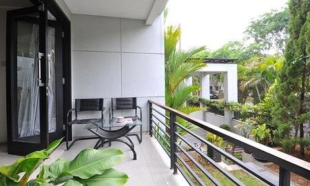 Balkon Bergaya Elegan