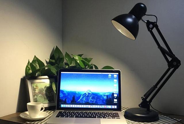 Pencahayaan meja
