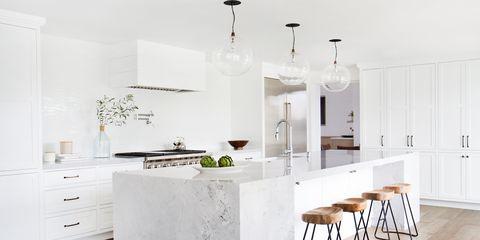 Putih untuk Nuansa Dapur yang Bersih