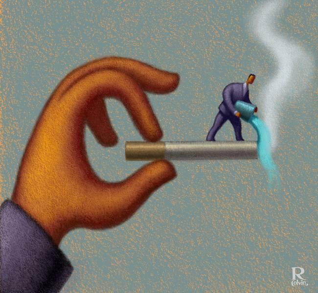 Jari Memegang Rokokyang Disiram Air