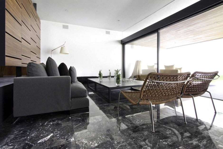 Granit Warna Hitam