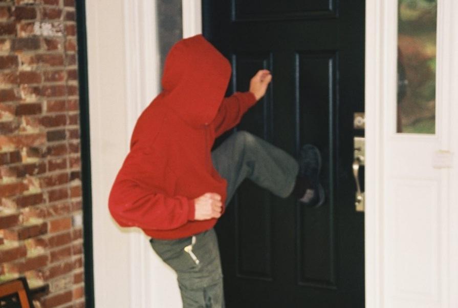Kekuatan Pintu Kamar Mandi Aluminium