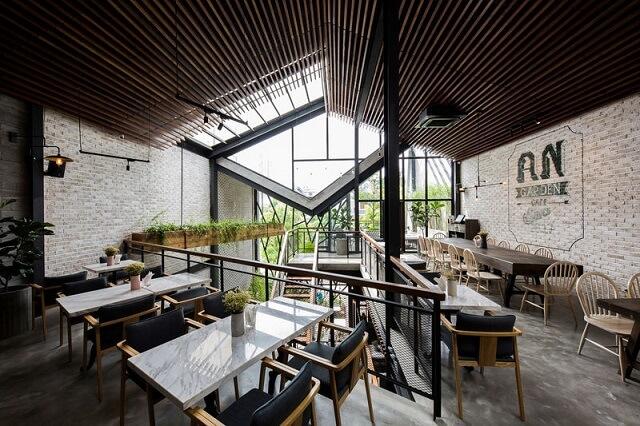 Kafe Dengan Konsep Unfinished