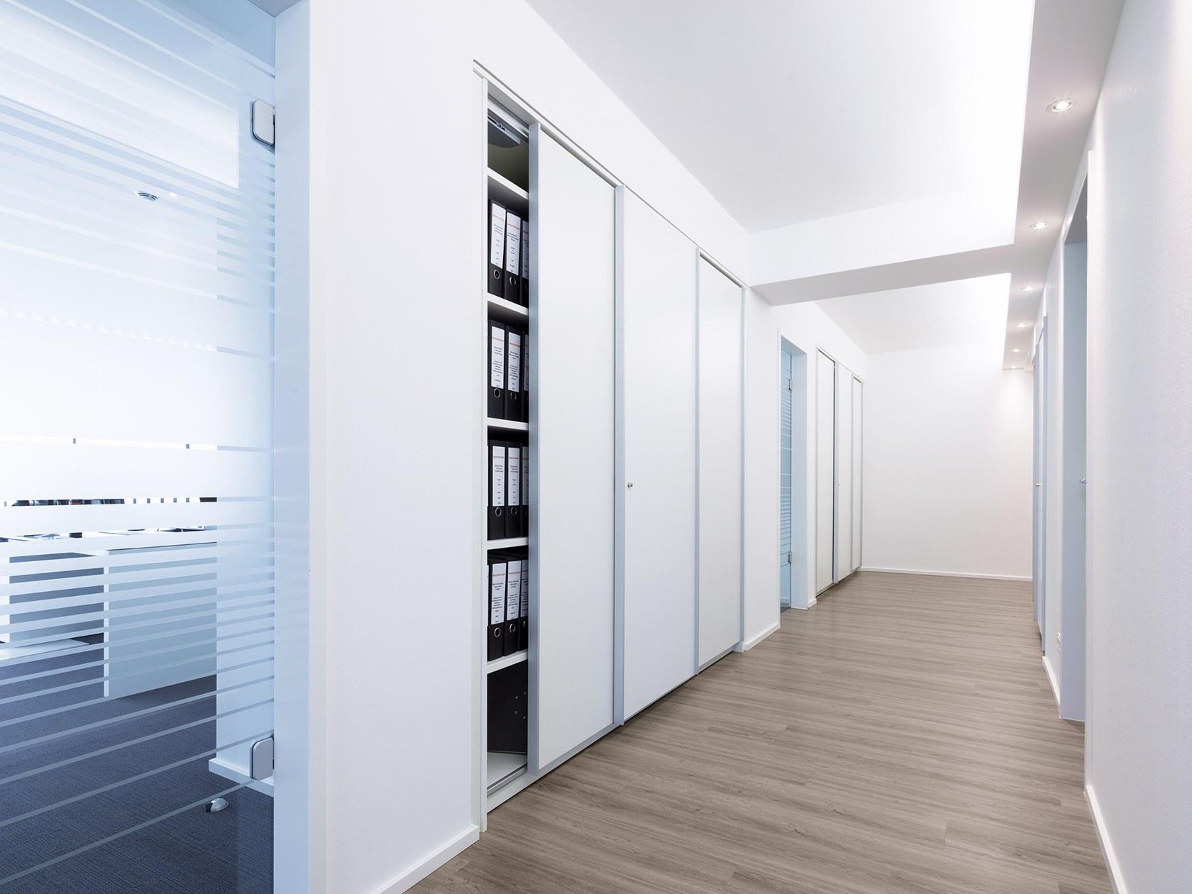 Inspirasi Penggunaan Sliding Door dalam Kantor